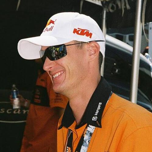 Lee Profile Pic